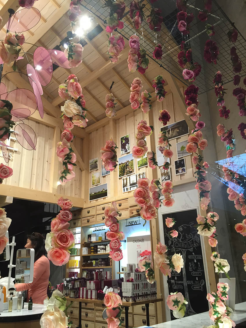 Hanging Roses Retail Interior Design