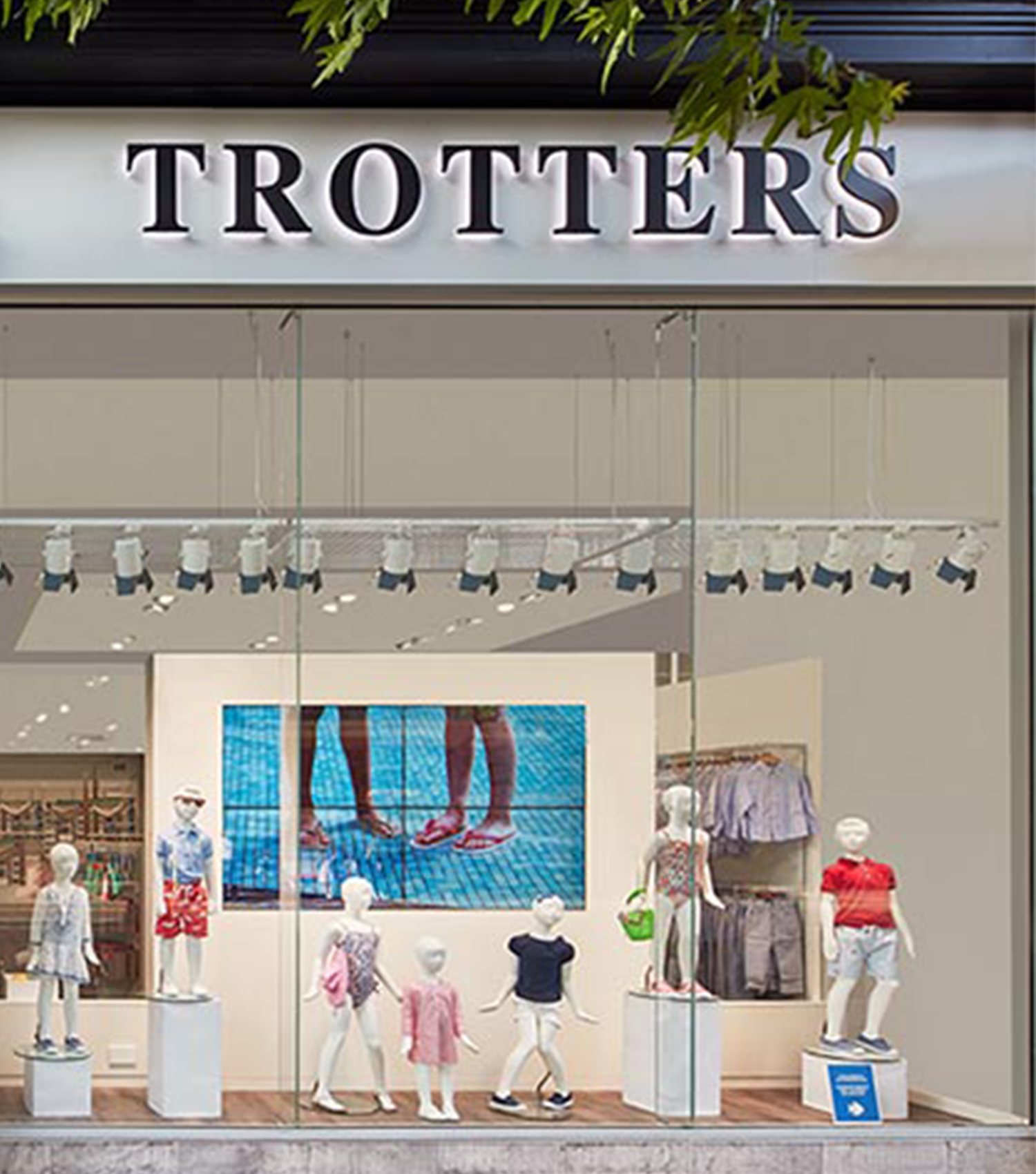 TROTTERS store front